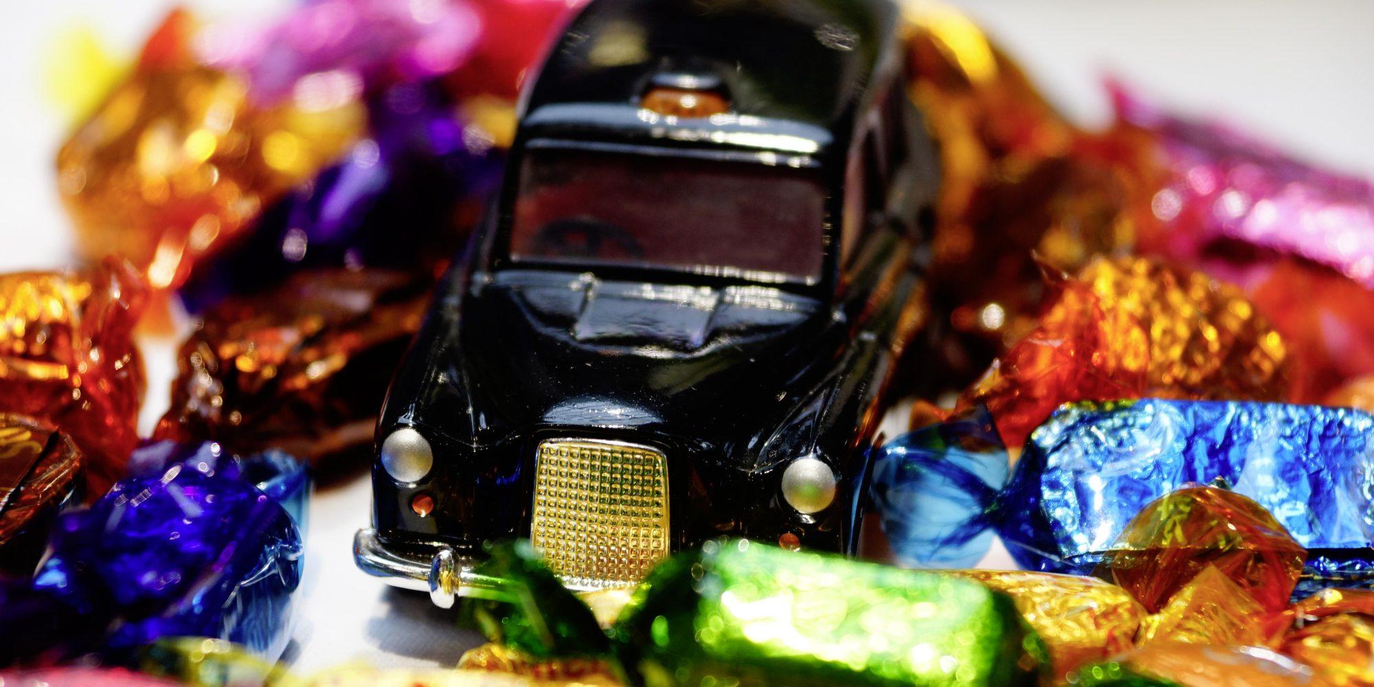 HM_Lued17_Auto_Bonbons